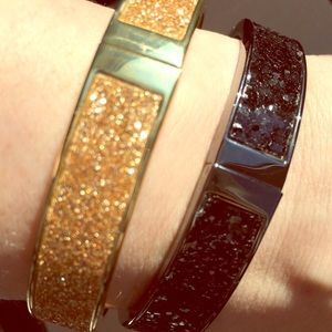 Set of two shimmery bracelets